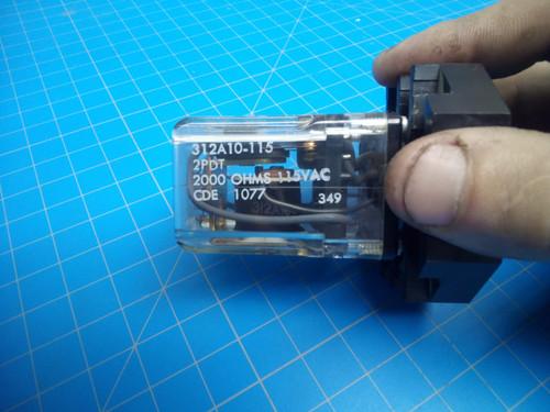 Challenge Diamond 8-Pin E-1242 Relay w/ E-1243 Socket - P01-000027