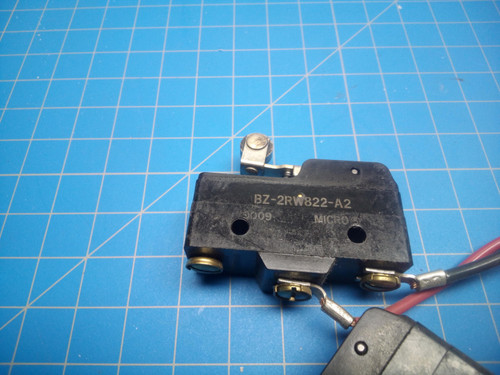 Honeywell Snap Action Switch Roller Lever BZ-2RW822-A2 - P01-000134