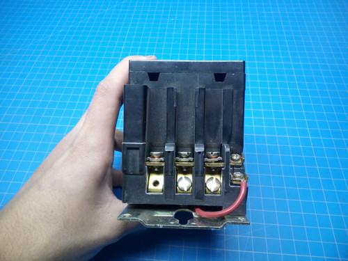 Square D 8536SCO3S Motor Starter NEMA Size 1 24 Volt Coil - P02-000335