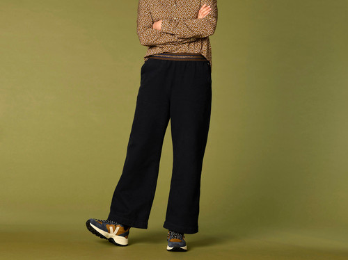 Pantalón Harriswillson women modelo ESTHER color marino