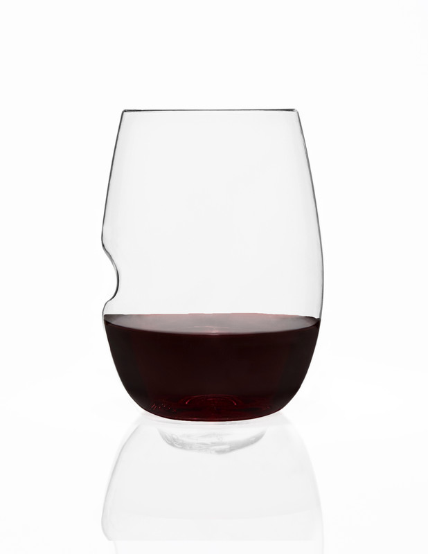 Where wine meets design! The award-winning Govino plastic reflects a wine's colour and projects its aromatics much like fine crystal. Brilliant design, food grade thermoplastic polymer resin  is recyclable (#1) . Perfect for any outdoor use  and indentation helps to keep wet or greasy hands from losing their grip. Unbreakable, shatterproof, reusable, and BPA free.  Hand wash recommended. Sold in wholesale bulk and retail.