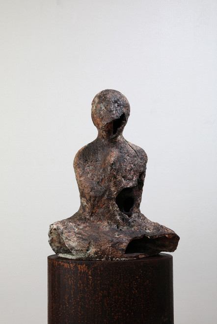 Left Behind-pray by Lee, se-whun_2018_ceramic sculpture_Mixed clay, semi-mat black glazes, terra-sigillata, polishing after glazing