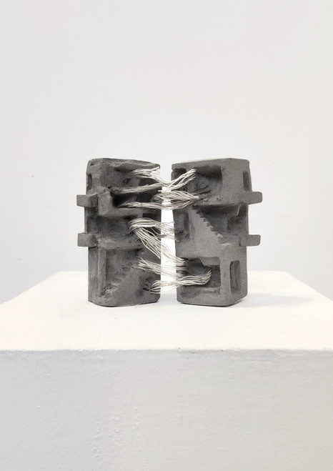 Hold on. Move on_Elad Noah Argaman_2018_Cement cast and string