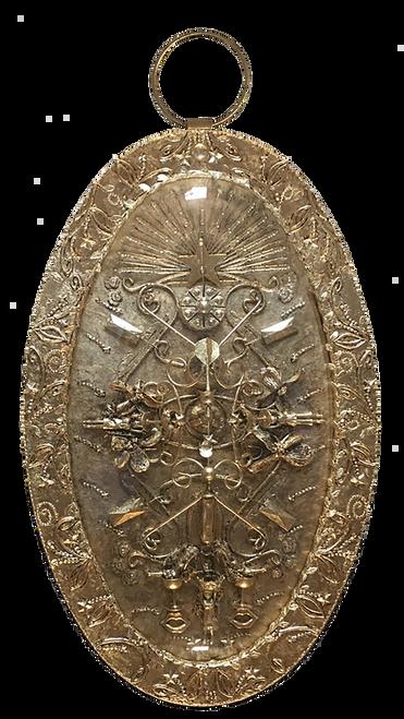XL Medallion 'Piece of the cake' by Carina Wagenaar. 2020. Mixed-media. Modern Symbolism