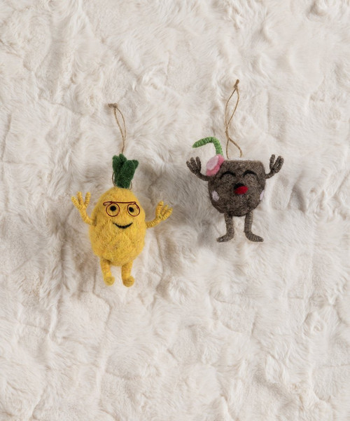 Shiraleah Set of 2 Coconut and Pineapple Ornaments 42-57-007