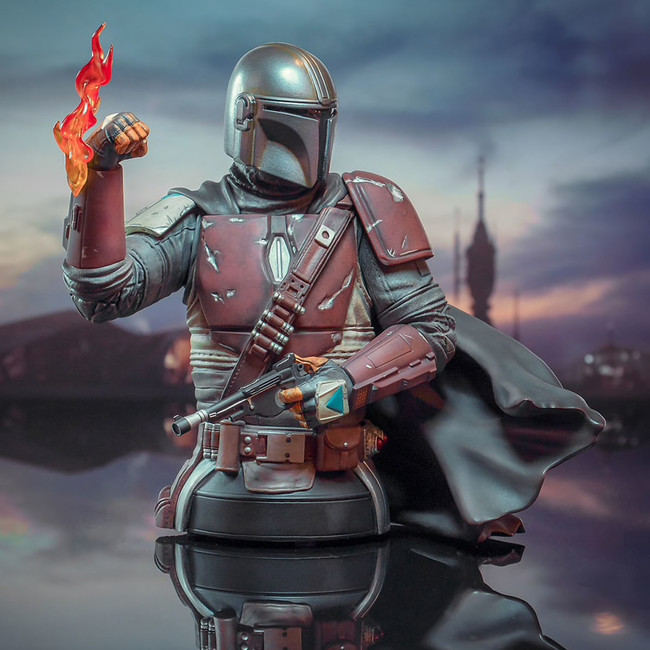 The Mandalorian Mini Bust (Original Armor)