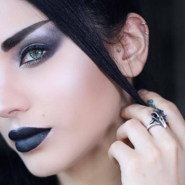 Little Raven ring