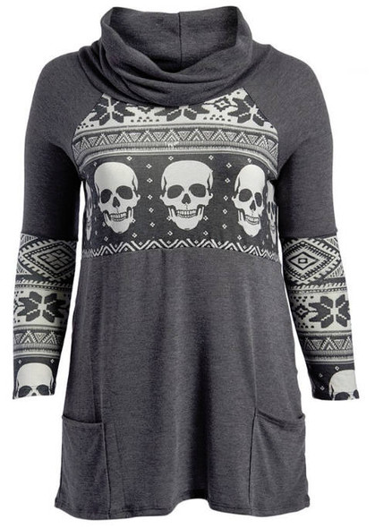 Heather gray plus size skull print top