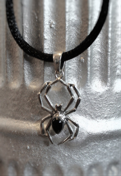 silver and onyx arachnid necklace