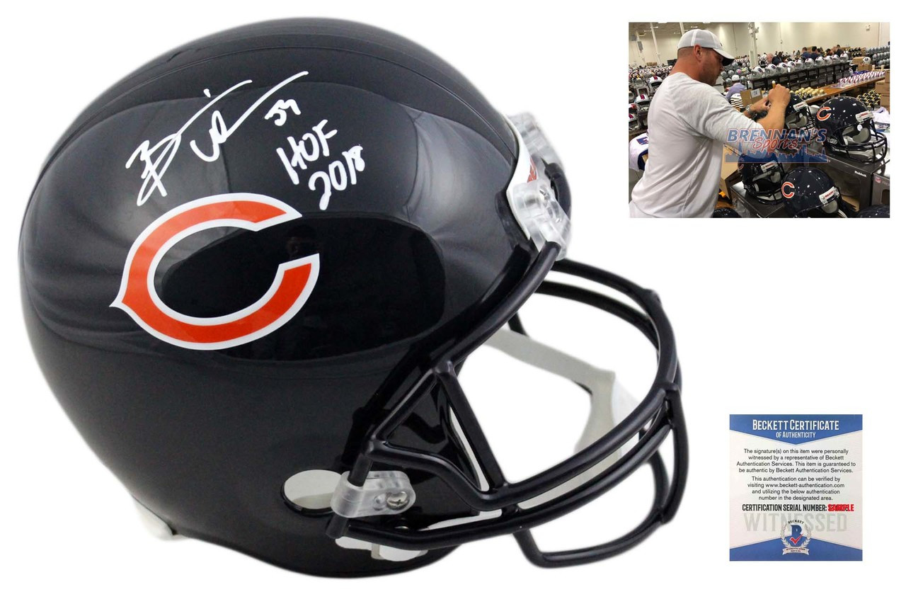 new product 6cbc2 654be Brian Urlacher Autographed Helmet - Chicago Bears Signed - HOF 18 - Beckett