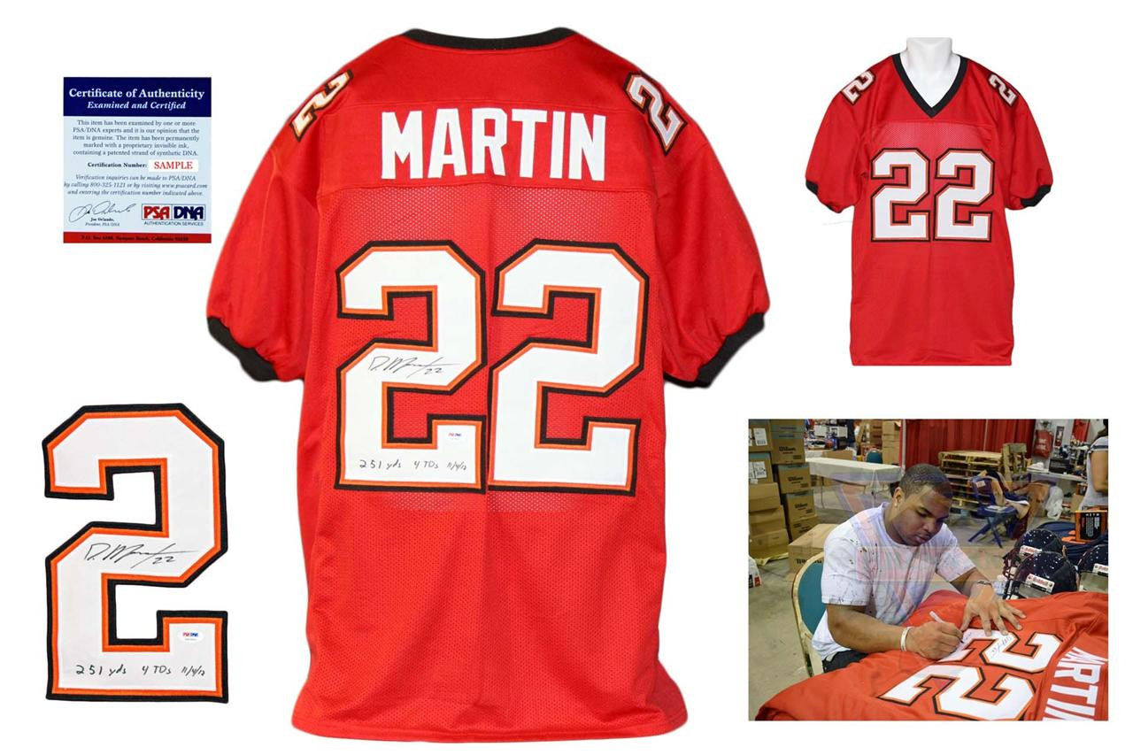 Doug Martin Signed Jersey - PSA DNA - Tampa Bay Buccaneers Autographed with 251 YDS