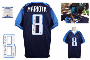 Marcus Mariota Autographed Jersey - Navy - Beckett Authentic