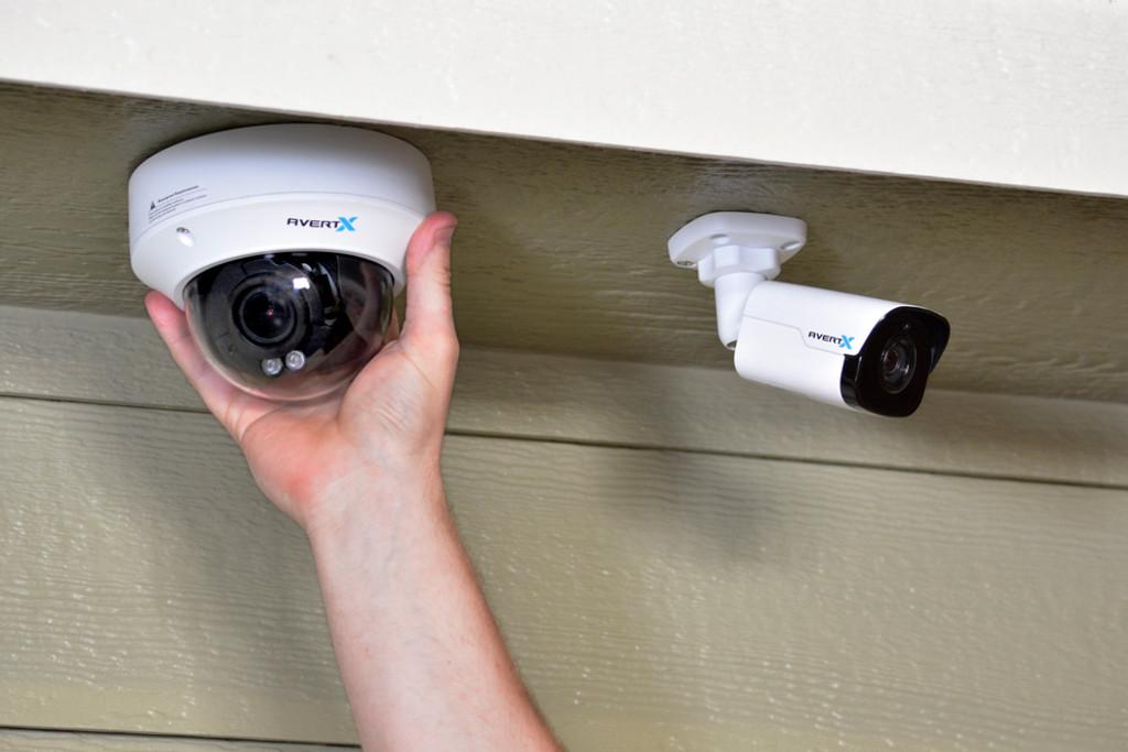 Refurbished 4MP IR Autofocus Zoom Indoor/Outdoor IP Dome Camera with True WDR - BizX