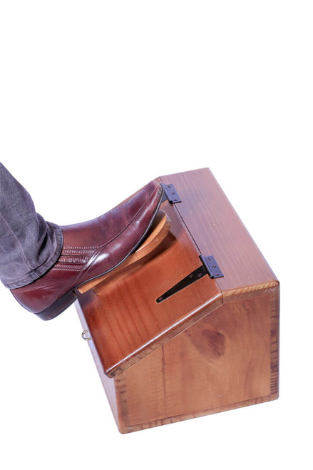 The shoe shine box has a wide footrest fitted to the lid for resting one's foot whilst polishing shoes or simply when doing up laces.