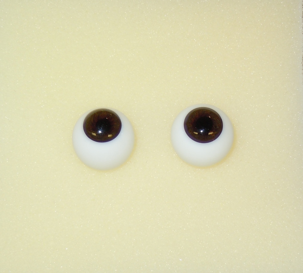 German Glass Eyes: Full Round Middle Brown #2