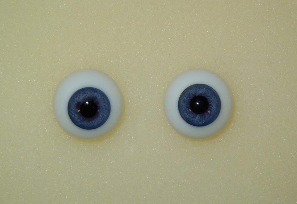 German Glass Eyes: Full Round Middle Blue #9