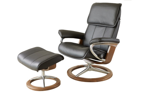 Admiral Medium Signature Chair with Ottoman
