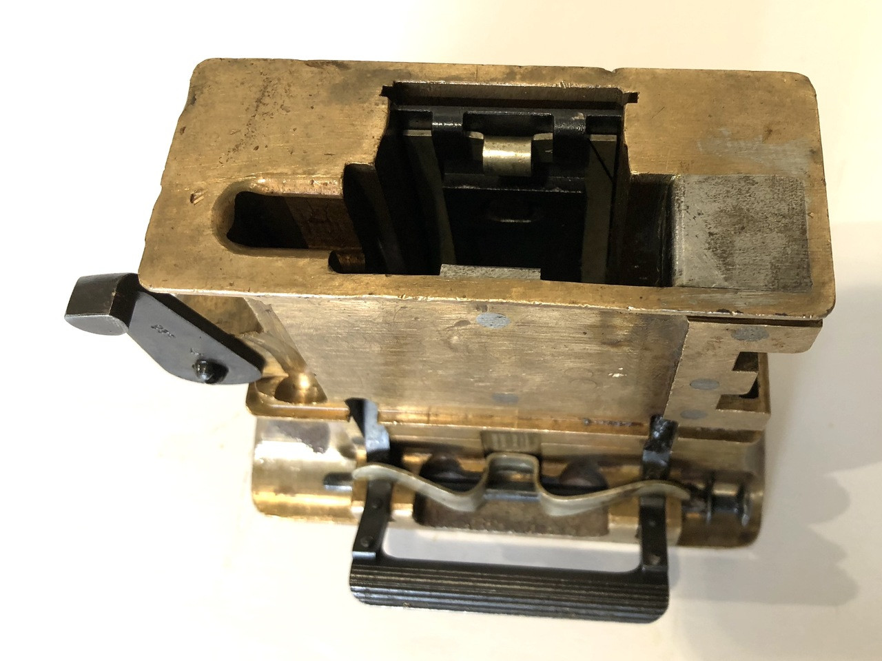S26 Brass Feed Block Assembly with Steel Guide - unnumbered