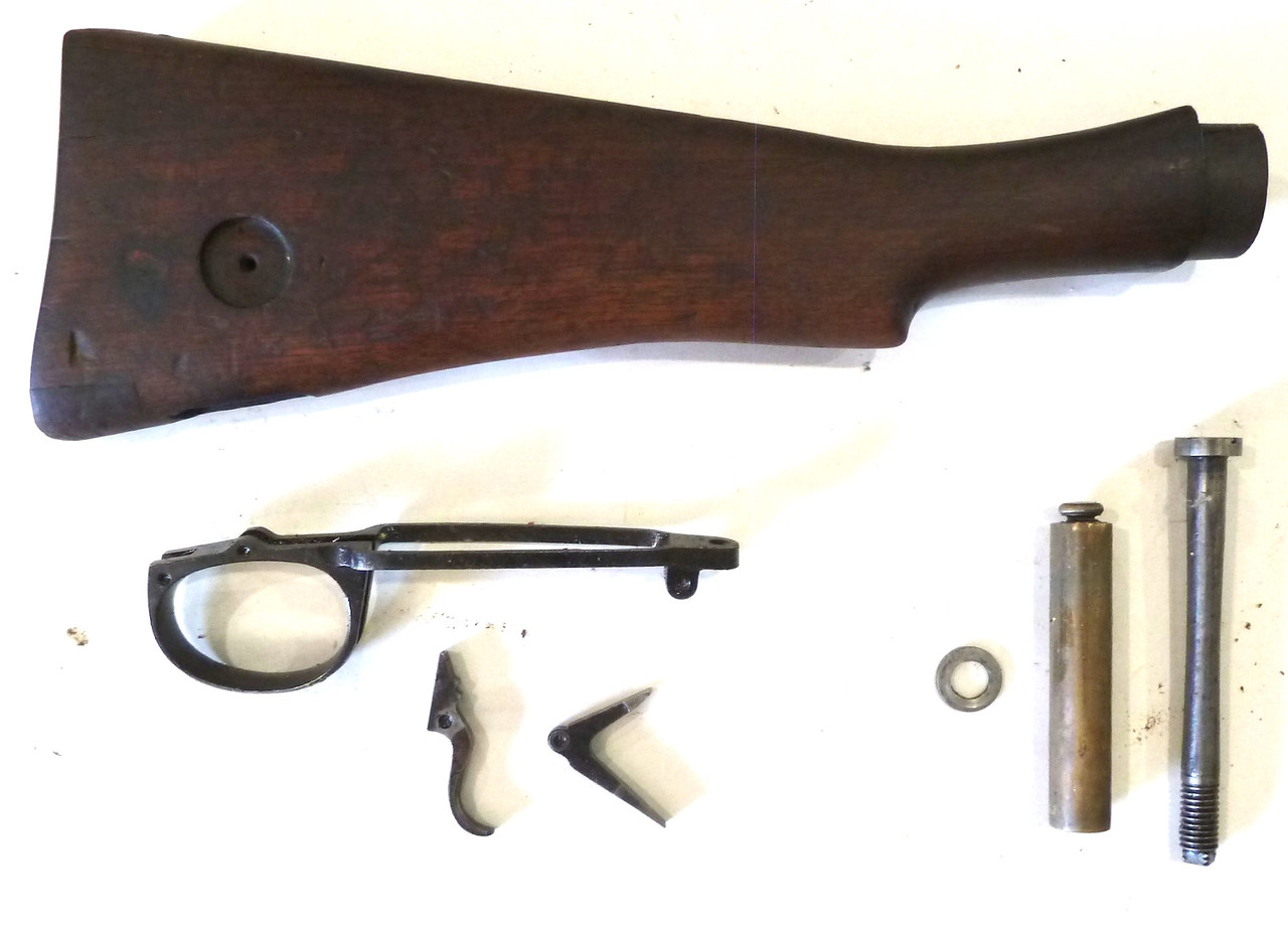 Early Lightened No 1 Mk 3 Butt Stock, Oiler, and Parts (Lot 10)