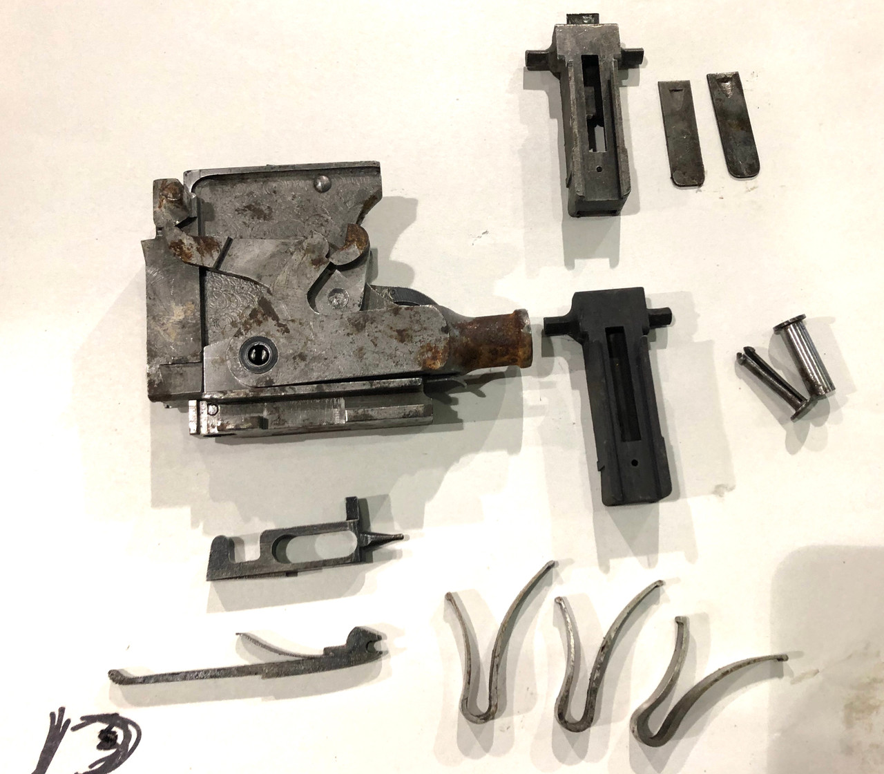 Vickers Lot 201009-13:  Lock Assembly (rusty) with extra parts