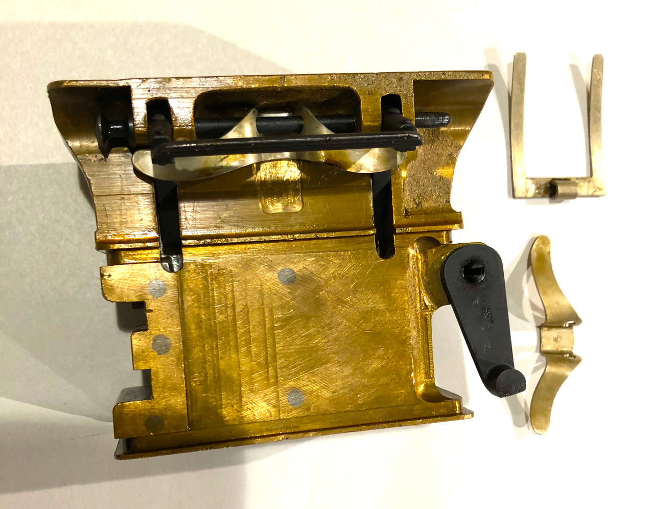 S26 Brass Feed Block Assembly with Steel Guide - unnumbered - Minor Blems
