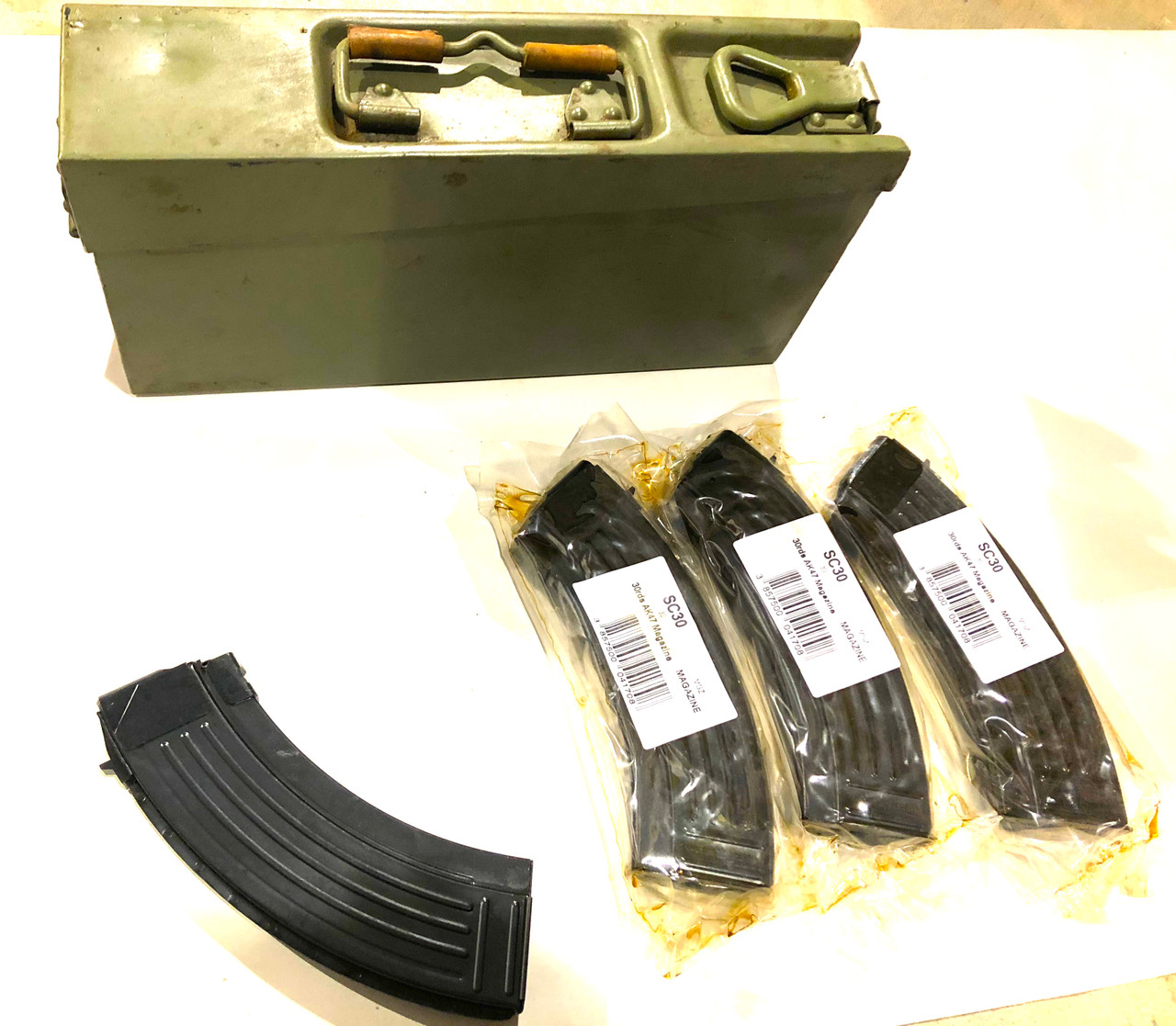 4 x CROATIAN AK-47 7.62x39 Mags with Yugoslav 8mm Ammo Can