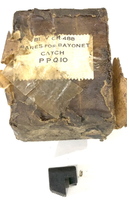 Box of 10 Bayonet Catches