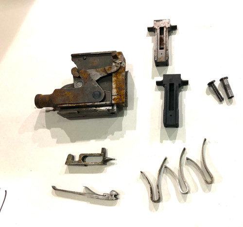Vickers Lot 201009-11:  Lock Assembly (rusty) with extra parts