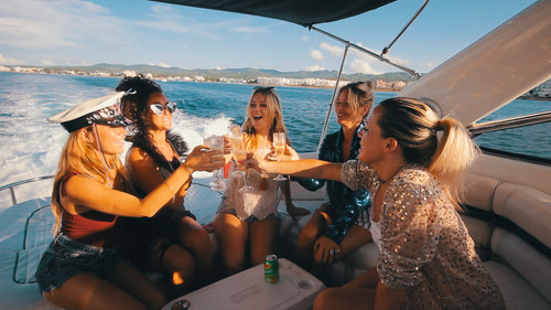 Dreamy Boat Party