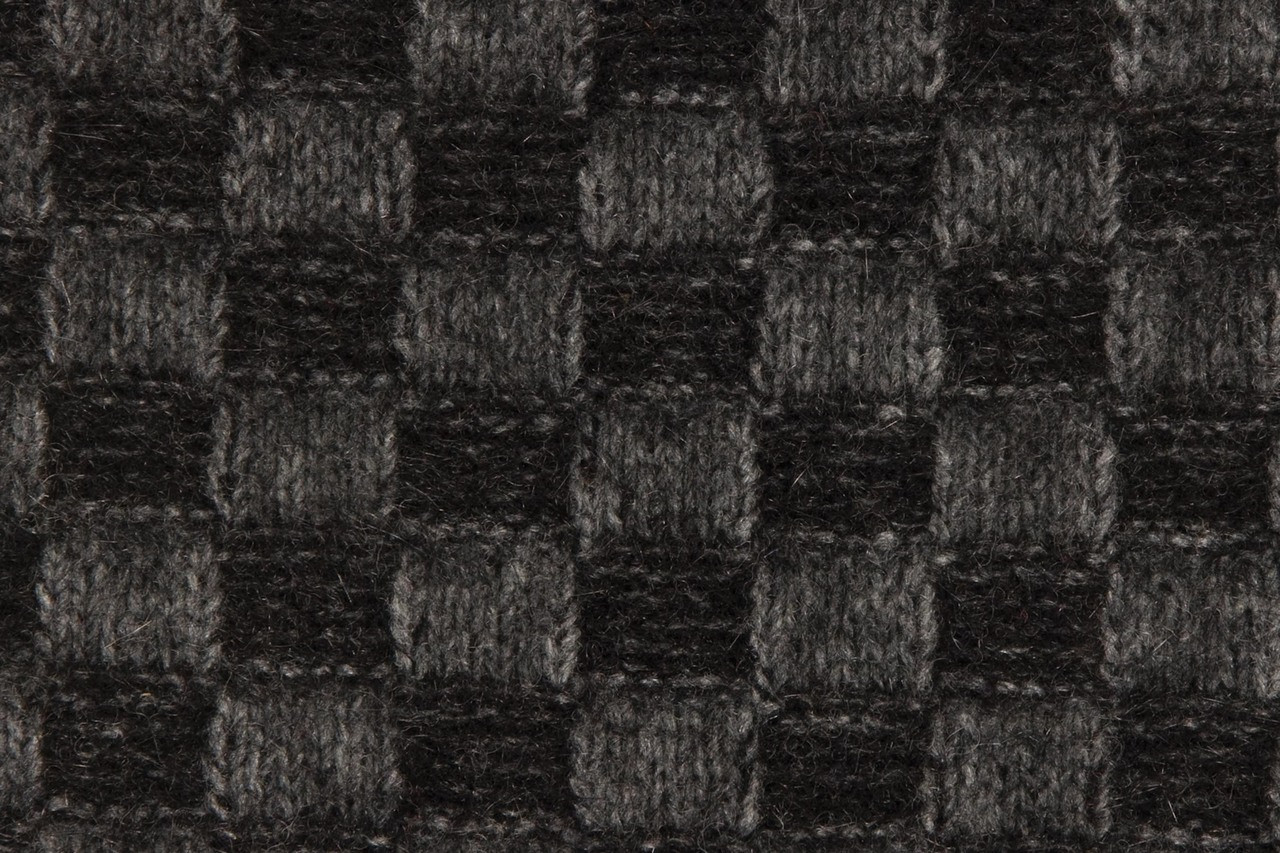 Swatch - Black / Grey