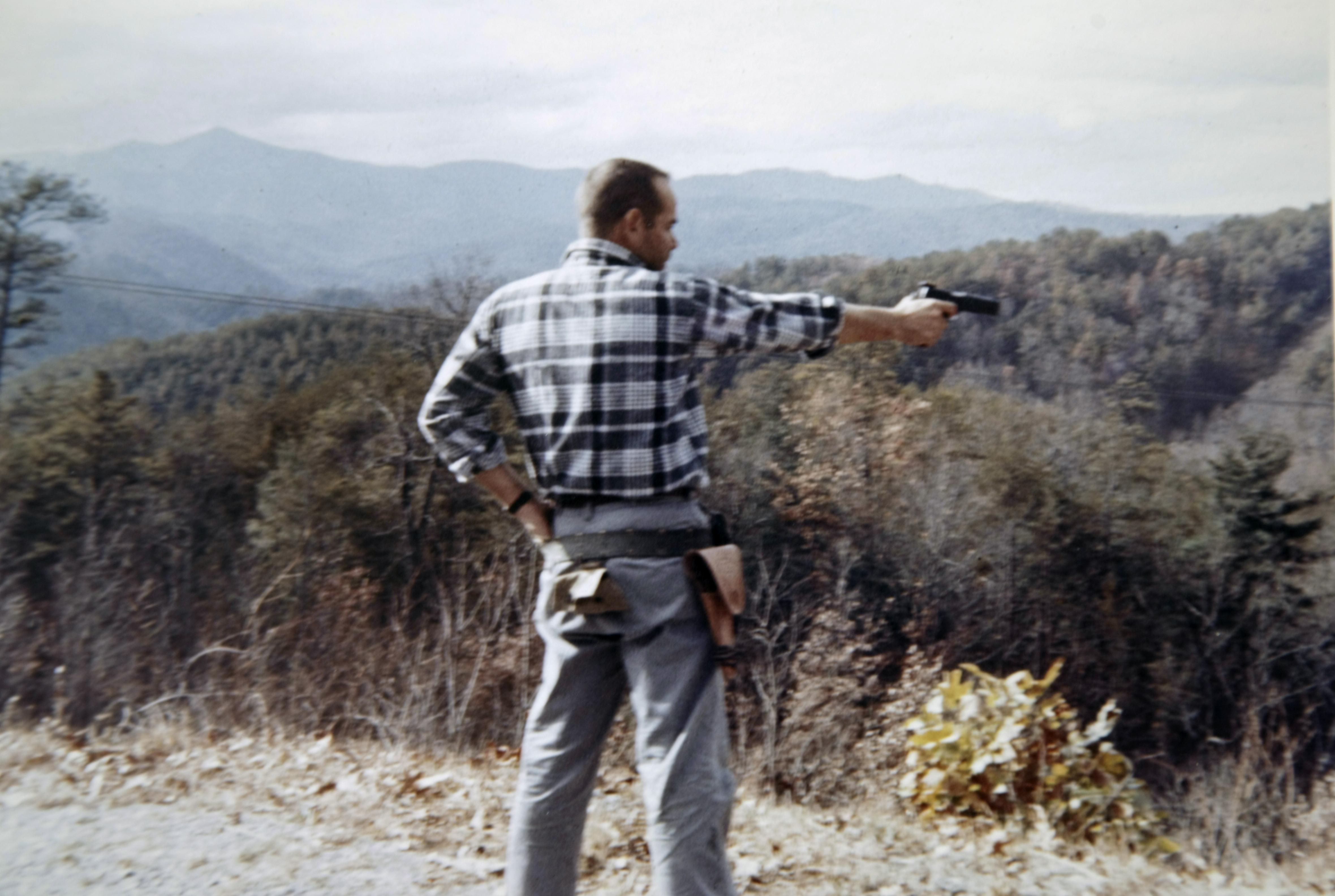 jurras-shooting-pistol.jpg