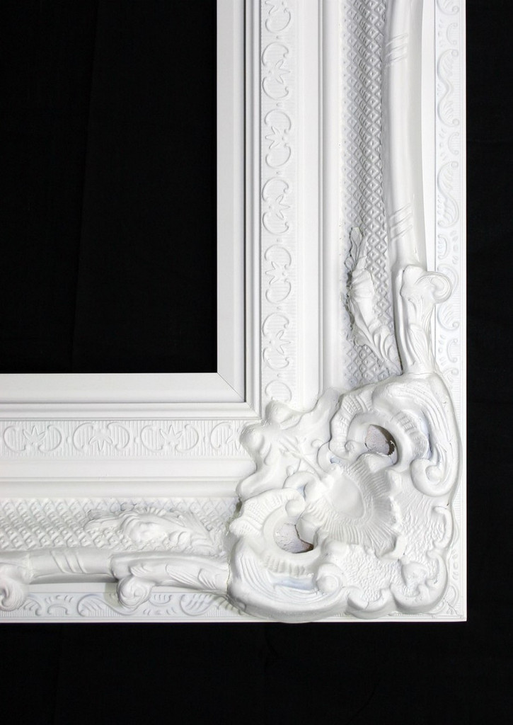 Print Décor - Grand Ornate White Detail