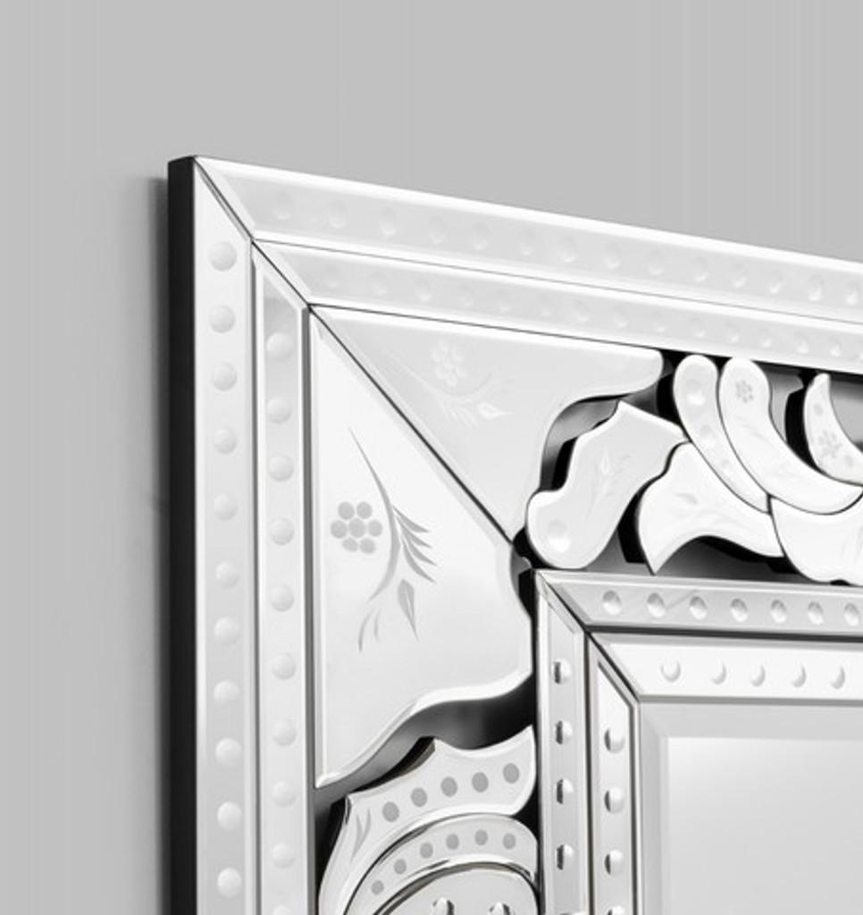 Venetian Mirror Diva | Detail