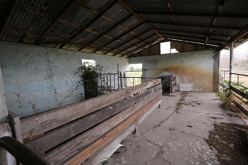 Old Farm Scene