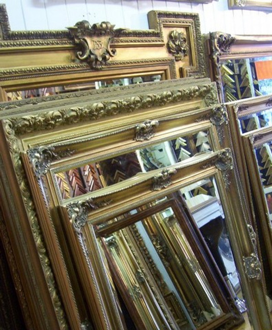 Ornate Framed Mirror Vs Minimalist Mirror: The Mirror Dichotomy