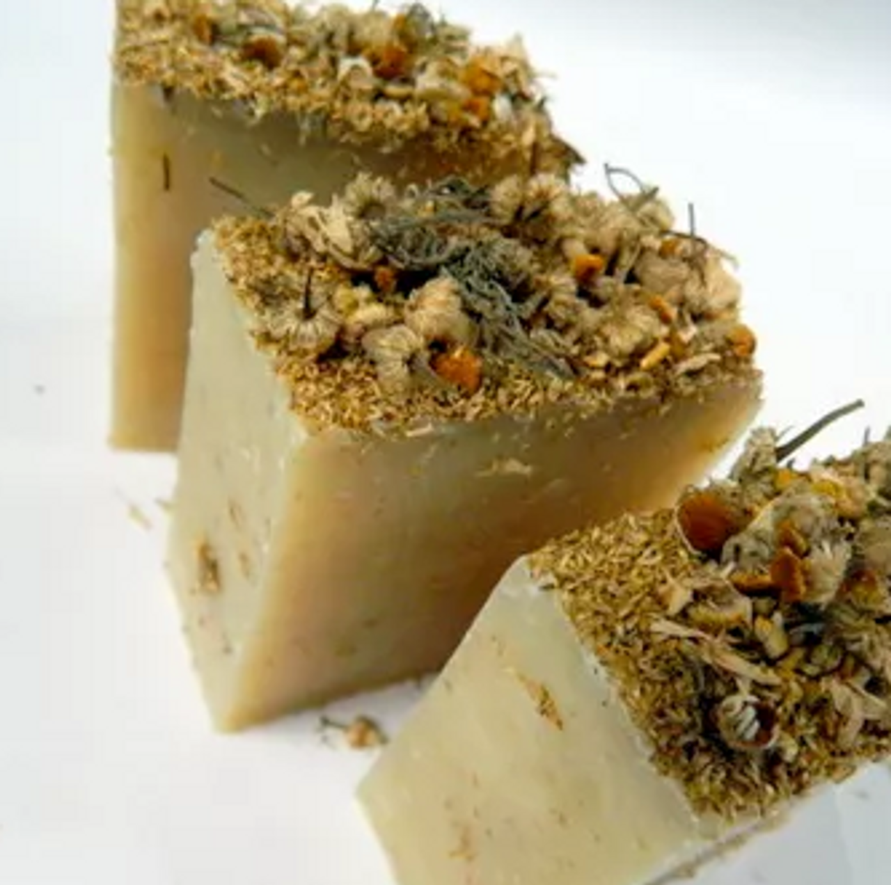 CHAMOMILE FLOWERS HAND MADE VEGAN EARTHLY DELIGHT SOAP 100G