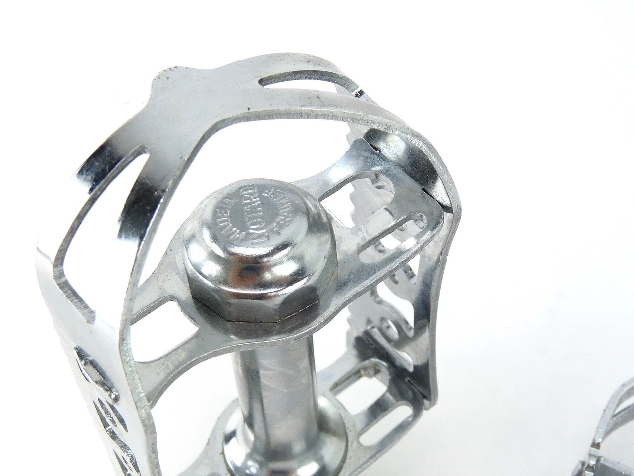 Lyotard pedals
