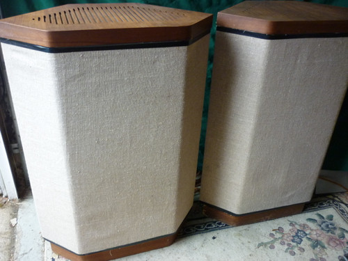 Wharfedale Airedale W-4, 1 Pair of Speakers 3 Ways Local Pickup