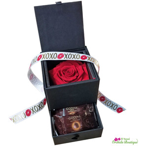 Lovely Jewelry Box And Chocolates Gift