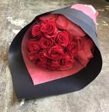 One dozen elegant roses