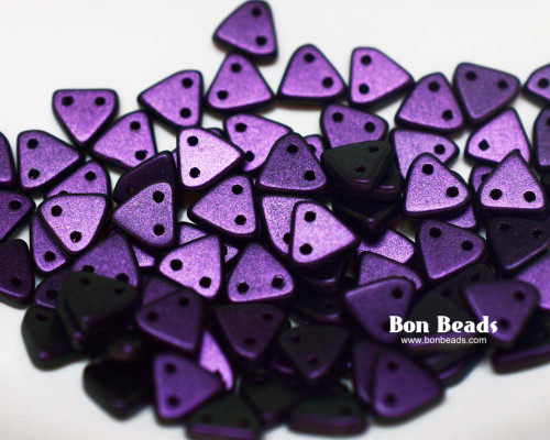 6mm Eggplant Miracle Iris 2 Hole Triangles (100 Grams)