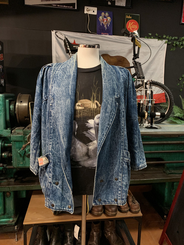 VINTAGE WOMEN'S LINED DENIM JACKET