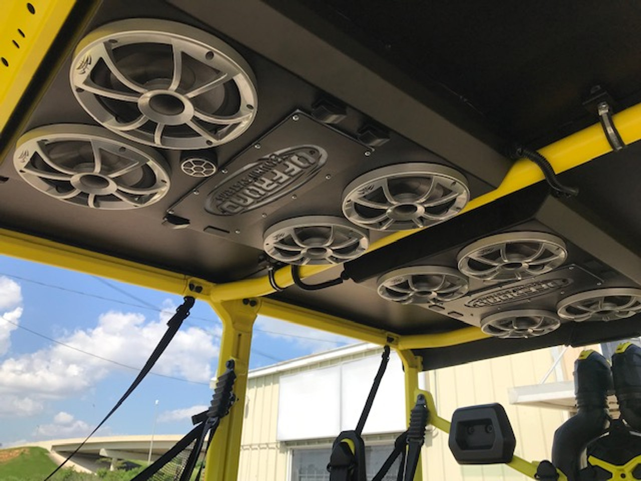 This is an 8 speaker roof setup, the 6 speaker setup will have 4 speakers in the rear section and 2 in the front.