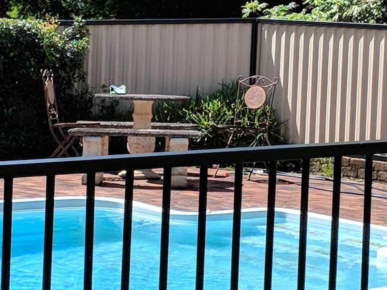 Great Pool Fence Deal - Fence Guru Australia Wide Black Aluminium Pool Fence Package Deal!