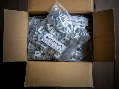 1000 VeriSmart Fence U Clips (33% Extra Discount) - 10 Bags of 100, Packed in 1 Box. (Minimum Buy = 6 Boxes).