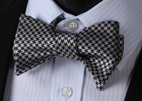 Black and gray hounds-tooth pattern bow tie set.