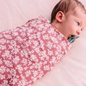 woolbabe-organic-cotton-merino-swaddle-blanket-rose-manuka.jpg