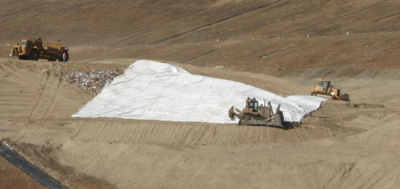 12 MIL Polyethylene Landfill Covers, Style A