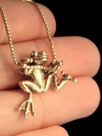 Tree Frog Charm in 14k Gold