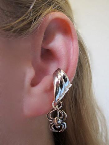 Small Spider Ear Cuff Chevron - Silver